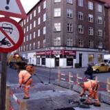 39 pct. af danskere udfører fysisk arbejde. Alligevel er de glemt af politikere og medier, hævder forfatteren Lars Olsen i ny bog.