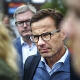 Bilafbrændingerne i Göteborg gav den svenske, borgerlige statsministerkandidat, Ulf Kristersson, en anledning til at fokusere på sit parti Moderaternas centrale valgtema om lov og orden, men selv om mange forventer, at han skal danne Sveriges nye regering, har Kristersson haft svært ved at få vælgernes opmærksomhed.