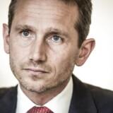 Med udsigt til en fortsat stor efterspørgsel efter arbejdskraft virker det mere og mere sandsynligt, at lønstigningerne kan tage yderligere til. Det kan blive problematisk for dansk økonomi, vurderer finansminister Kristian Jensen (V).