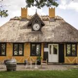 Restaurant Den Gule Cottage, Taarbæk Strandvej 2, 2930 Klampenborg.