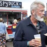 Mad og øl på Haven festivallen. Crispy Duck-burger.