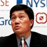 Nelson Chai, der er udnævnt til ny finansdirektør i Uber, har haft en høj profil på Wall Street – en baggrund, der kan blive en fordel for Ubers planer om at gå på børsen næsten år. »Det vigtigste, når vi børsnoterer selskabet, er bedre at forklare vejen til at blive profitabel,« sagde han til New York Times efter udnævnelsen til Uber-jobbet. Her ses han i januar 2007, da han var finansdirektør for New Yorks børs, New York Stock Exchange (NYSE).