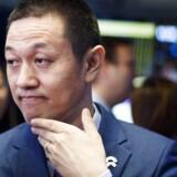 NIO INC, der er en kinesisk producent af elektriske biler, gik onsdag på børsen i USA med adm. direktør og bestyrelsesformand Bin Li (billedet) som i spidsen. Her ses han på handelsgulvet i New York Stock Exchange. I skrivende stund er aktien faldet med 10,4 procent i værdi siden noteringen. Foto: EPA/JUSTIN LANE/Ritzau Scanpix.