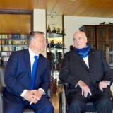 I 2016 var Ungarns Viktor Orban og det konservative koryfæ Helmut Kohl stadig så gode venner, at Kohl tog imod ham i privaten i Oggersheim. Onsdag stemte et stort flertal af Orbans konservative partifæller ja til, at ungareren forbryder sig mod de demokratiske spilleregler.