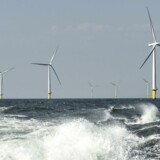 Nye vindmølleparker ved den jyske vestkyst producerer el som 380.000 husstande. Grundejere kæmper mod planer.