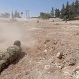 Syriske oprørsgrupper gør klar til et angreb fra regimet.