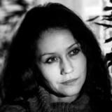 Dansk Institut for Internationale Studier (DIIS) står bag undervisningsmaterialet »Trolde i dit feed«, hvor bl.a. den russiske journalist Ljudmila Savtjuk (billedet) fortæller om sin tid undercover som »trold« på en propagandacentral i Skt. Petersborg. »Jeg fik at vide i starten, at jeg for eksempel skulle skrive noget a la »jeg stod lige i mit køkken og bagte, og så tænkte jeg på, at Putin gør et rigtig godt arbejde«,« siger hun.