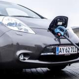 Hybridbilerne sælger langt bedre, efter at afgiften er faldet, men Danmark ligger stadig næstsidst i den europæiske top 15 over elbilssalget. Arkivfoto: Thomas Lekfeldt