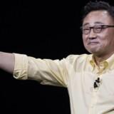 Samsungs mobilchef, Koh Dong-jin, forventer at kunne fremvise den første foldbare smartphone om tre måneder. Arkivfoto: Drew Angerer, Getty Images/AFP/Scanpix