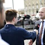 Da justitsminister Søren Pape Poulsen (K) offentliggjorde, at der ville blive påbegyndt en forbudssag mod den københavnske bandegruppering LTF, satte man samtidig gang i et historisk retsopgør. Nu giver nye oplysninger imidlertid et særligt indblik i forløbet op til annonceringen - og det indebærer en advokat, der ikke skal få taletid. (ARKIV)