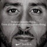 Colin Kaepernicks ansigt på 30-års jubilæumskampagnen for Nikes »Just Do It«-slogan. Foto: PR