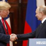 Forsvarsadvokater for George Papadopoulos siger, at Donald Trump nikkede ja, da deres klient foreslog at arrangere et møde mellem den nuværende amerikanske præsident og den russiske, Vladimir Putin, under valgkampen i foråret 2016.