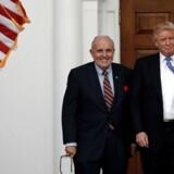 Trumps advokat, Rudolph Giuliani, opfordrer Rumænien til mindre kamp mod korruption