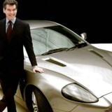 Bilmærket Aston Martin, som mange kender fra filmene med James Bond, melder sig onsdag klar til at køre ind på børsen i London.