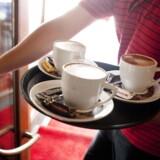 Sanne Cigale Benmoyal nyder at kunne drikke sin kaffe ved 10-tiden. Foto: Nikolai Linares/Ritzau Scanpix