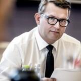 Flere udenlandske studerende skal blive i Danmark, mener beskæftigelsesminister Troels Lund Poulsen (V).