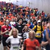 Vi løber efter ungdom, og det er ikke kun ved at dyrke masser af motion. Kost og plastikkirurgi bruges også til at forlænge ungdommen.