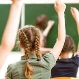 Godt 60.000 børn begynder i skole mandag.