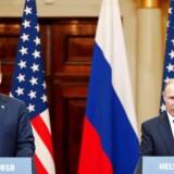 Donald Trump, der her ses med den russiske præsident, Vladimir Putin, i Helsinki i juli, er omgivet af folk, der er mistroiske over for alt, hvad der kommer fra politisk russisk hold.