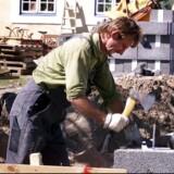 Nu hvor det er sværere at få østeuropæere til Danmark, er der heldigvis muligheder for at få mange flere danskere i job via reformer. Og det samme gælder for de mange flygtninge og indvandrere, der allerede er i landet, men som har en alt for lav beskæftigelsesgrad, skriver Mads Lundby Hansen.