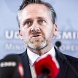 På linje med sine seks forgængere har udenrigsminister Anders Samuelsen (LA) for nylig gjort det klart, at han ikke vil oversætte en bestemt verbalnote, der omhandler Danmarks forhold til Kina og Tibet.