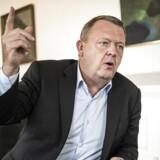 Statsminister Lars Løkke Rasmussen (V) har sadlet om. I stedet for at tale om en offentlig sektor, der »skal køre længere på literen«, sælger han nu budskabet om, at Ventre har løftet det offentlige forbrug med 75 mia. kr.