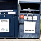 Røde Kors og andre almennyttige genbrugsbutikker mener, at de bliver udsat for unfair konkurrence fra kommunerne, som har bevæget sig ind på markedet for genbrug ved at dumpe priserne.
