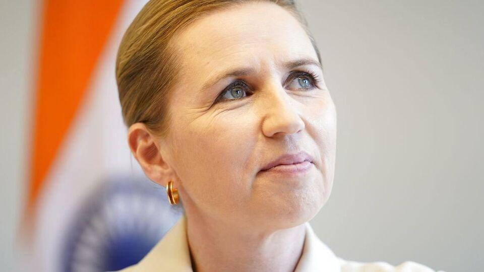 Mette Frederiksen deler sin dom over nattens præsidentdebat...