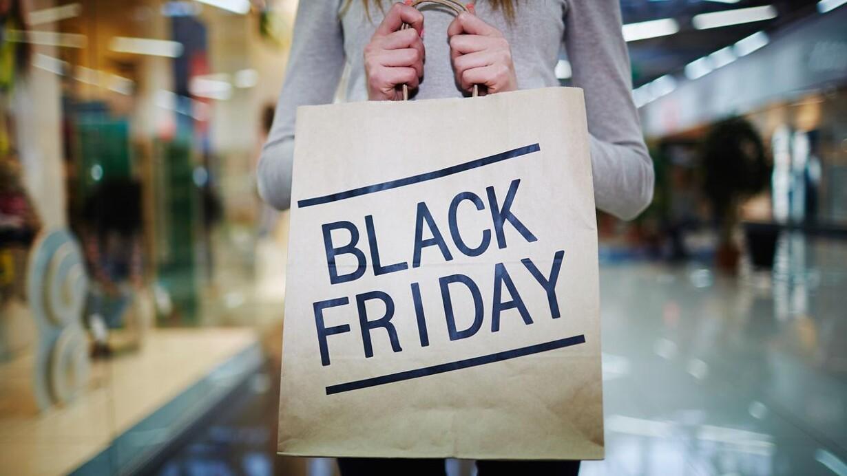 1727f5a871a Fredag 24. november går det løs, når Black Friday indtager byen. AOK har  samlet nogle af Københavns bedste tilbud her.