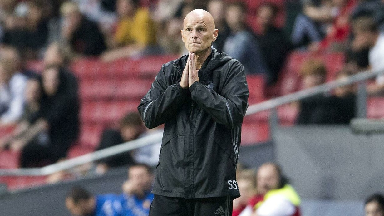 FCK-træner jagter nye spillere  Vi mangler 30 procent til Champions League 571114fe6a03f