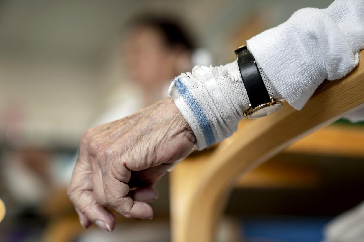 239c1864dc58 Specialist i ældremedicin retter i Løkkes slogan  Vi er nødt til at ...
