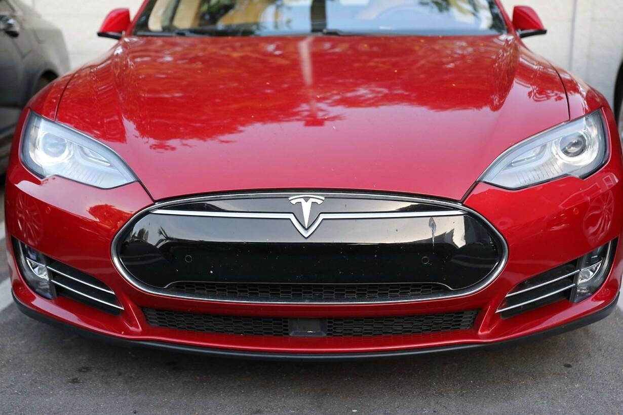 Efter Et år Med Mange Bump På Vejen Nu Lukker Tesla Butikker