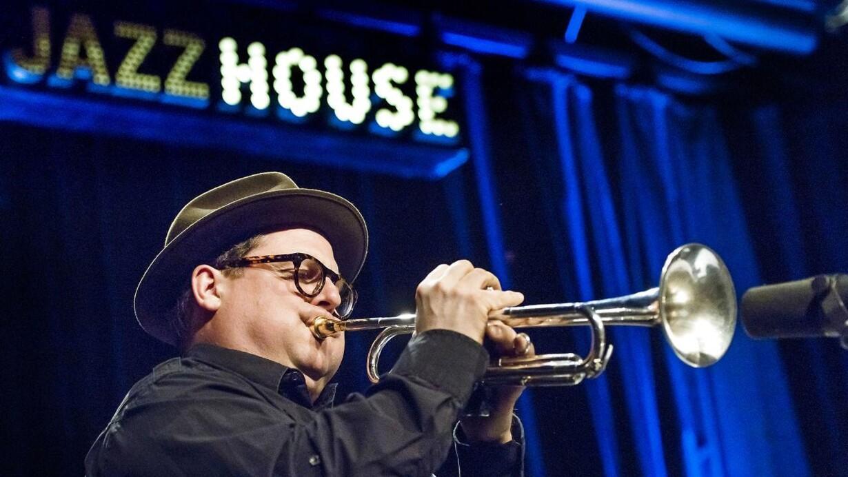 Legendarisk Jazz Spillested Forlader Historisk Bygning I København