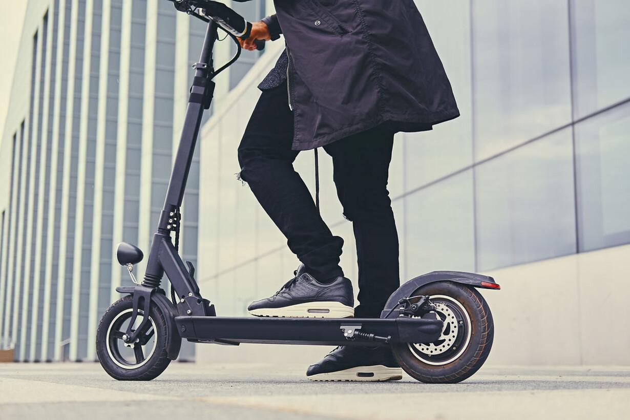 Rask Elektrisk løbehjul bliver den nye bycykel FA-81