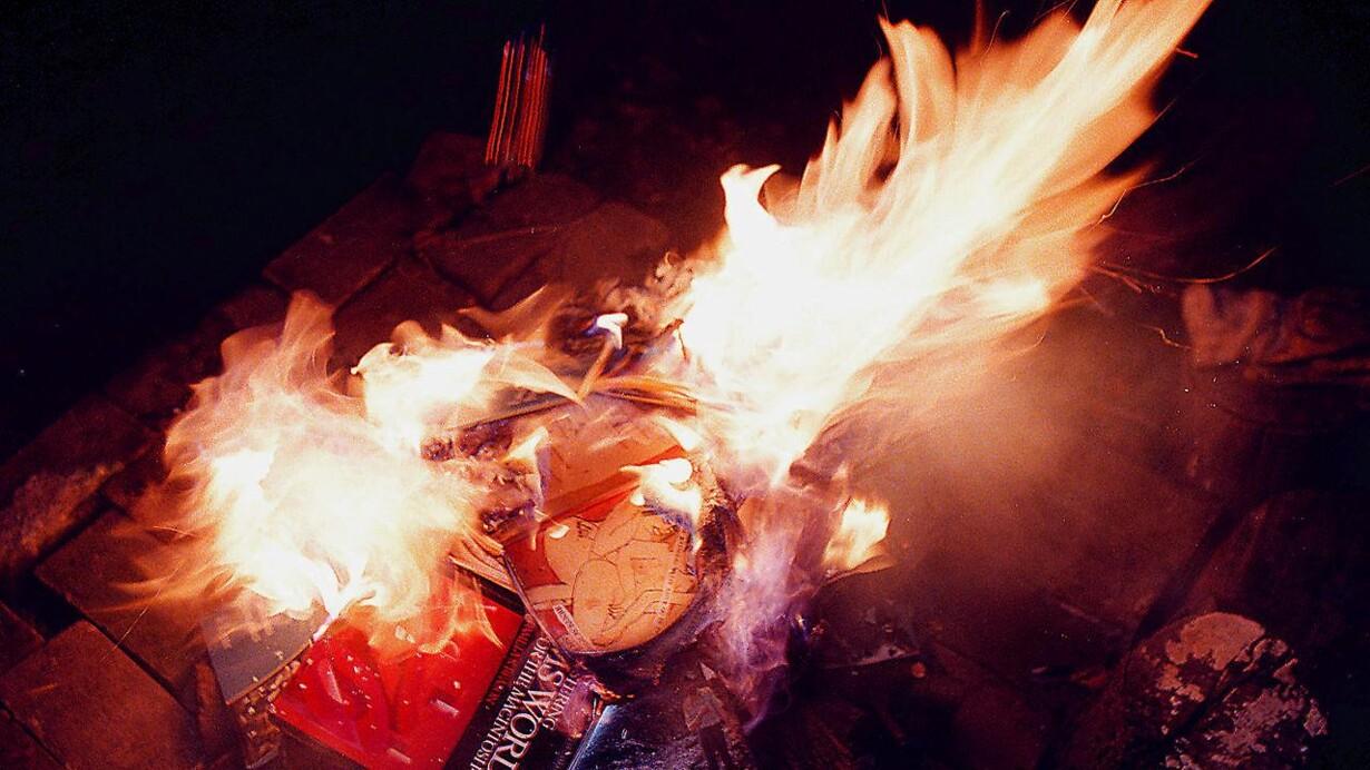 1c718fb0a Hvornår begynder de at brænde bøger?