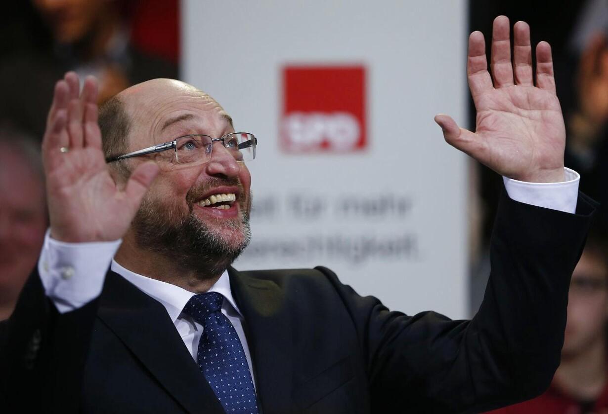 Presset Merkel afviser flygtningeloft GERMANY-ELECTION/SPD