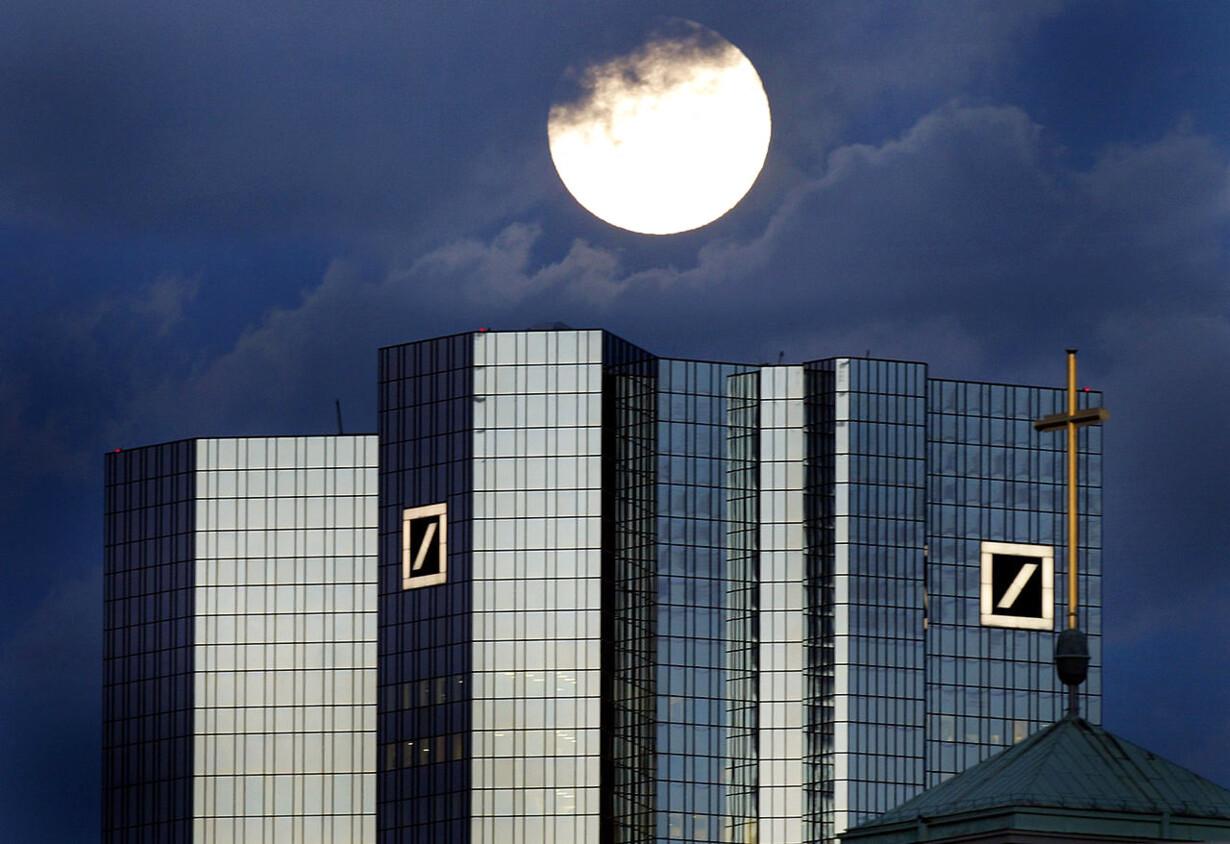 Månen og Deutsche Bank