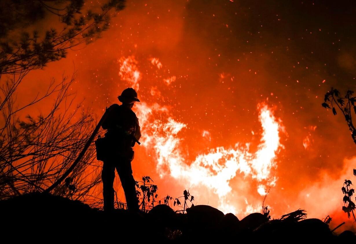 Kraftig skovbrand i Californien US-WEATHER-FIRES-CALIFORNIA