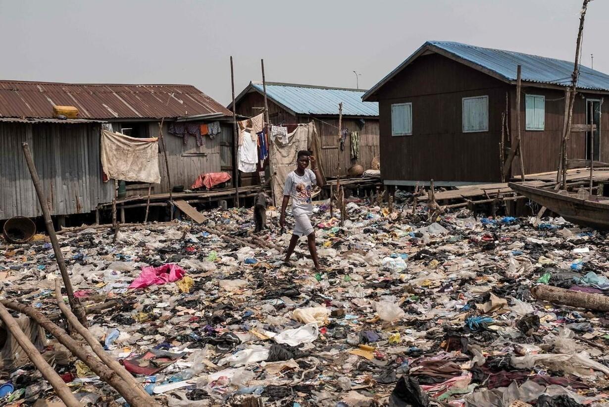TOPSHOT-NIGERIA-VOTE-ECONOMY-POVERTY