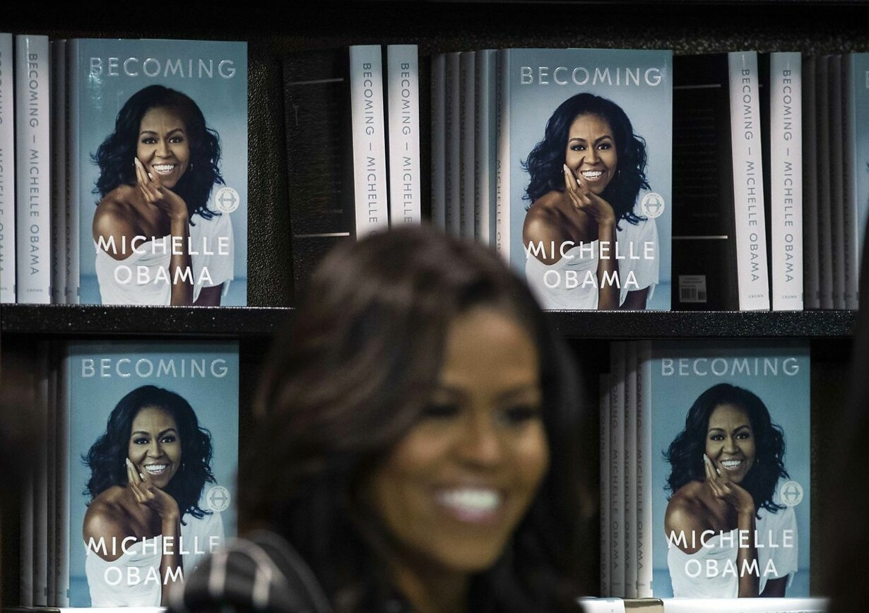 US-MICHELLE-OBAMA-PROMOTES-HER-NEW-BOOK-IN-NEW-YORK-CITY