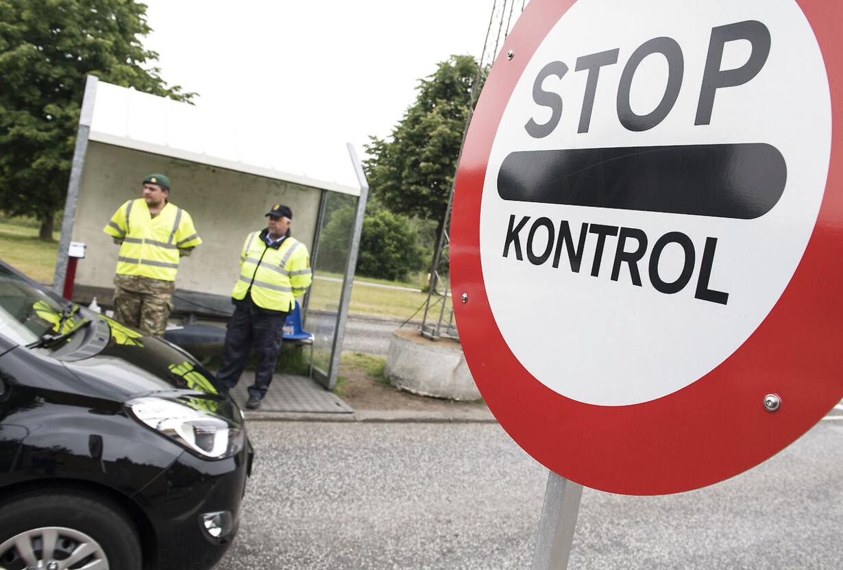 RB PLUS Bandekrig: Betjente hjem fra grænsen