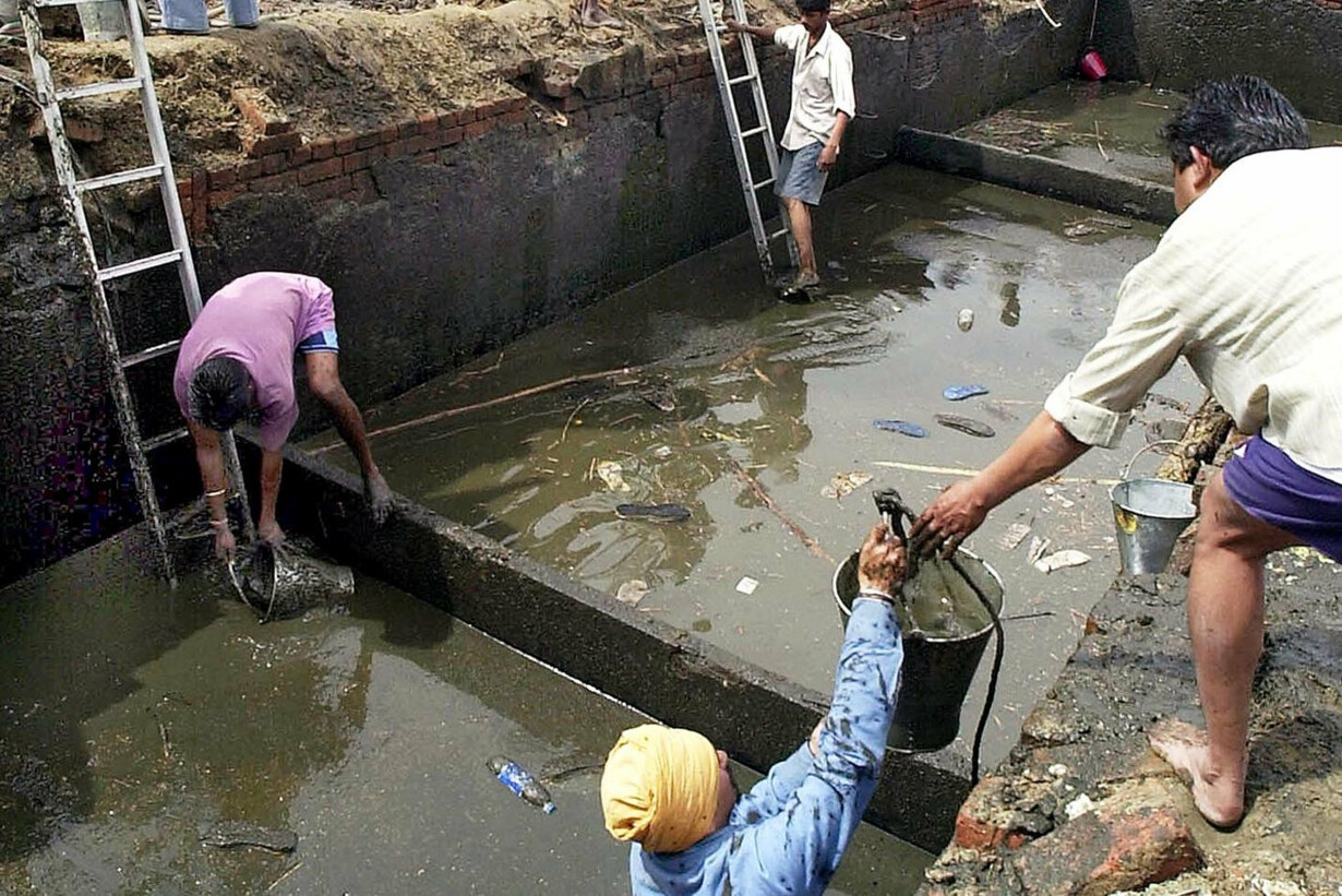 INDIA-SEWER-SEARCH - 201906151