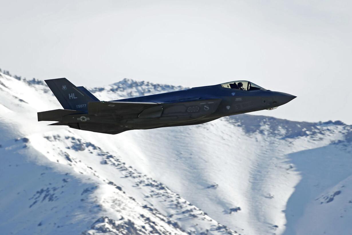 PLUS USA smider Tyrkiet ud af F-35-program