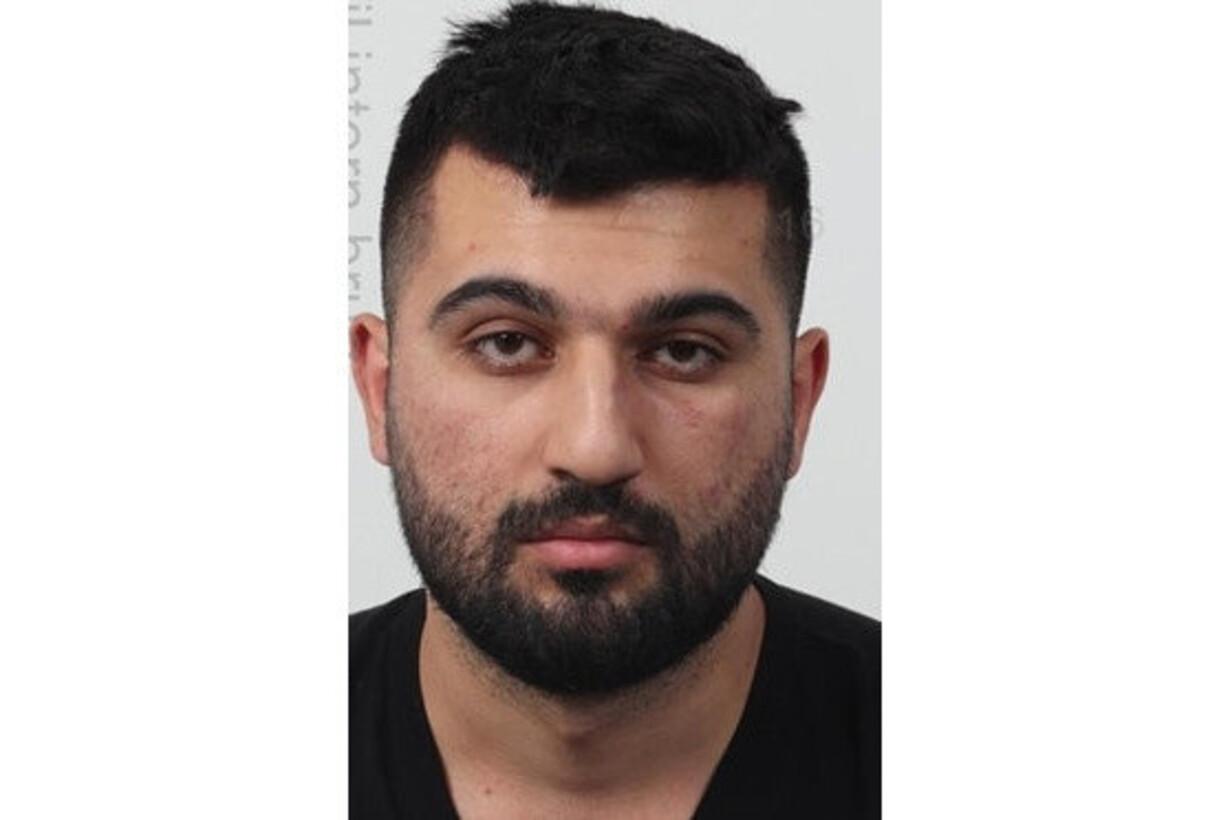 Politiet efterlyser mand efter