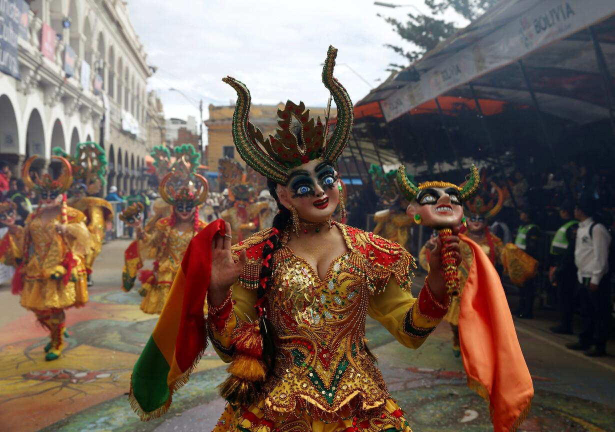 A dancer of the Diablada group