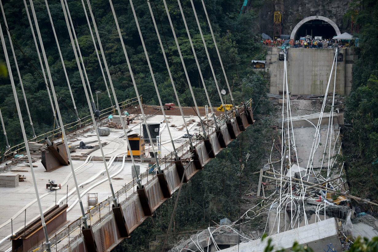 COLOMBIA-BRIDGE-COLLAPSE - 201