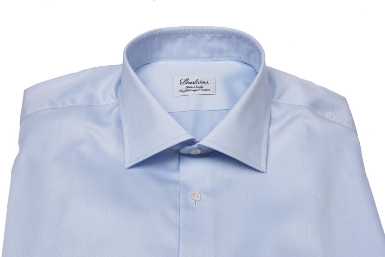 4fc94835 Hvorfor er den lyseblå skjorte et »must have« for en mand?