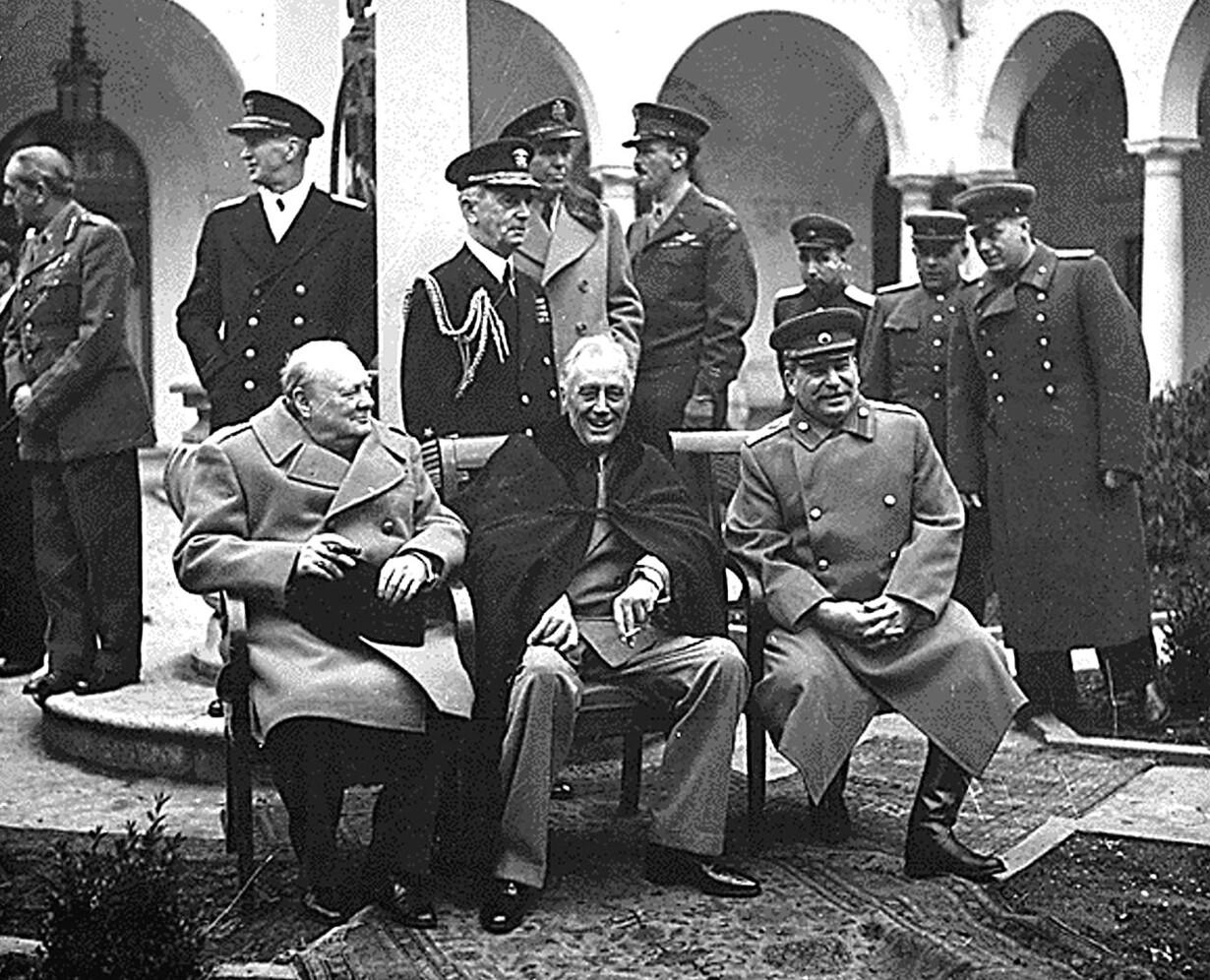 Winston Churchill, F.D. Roosevelt og Josef Stalin mødes i Jalta på Krim.1945
