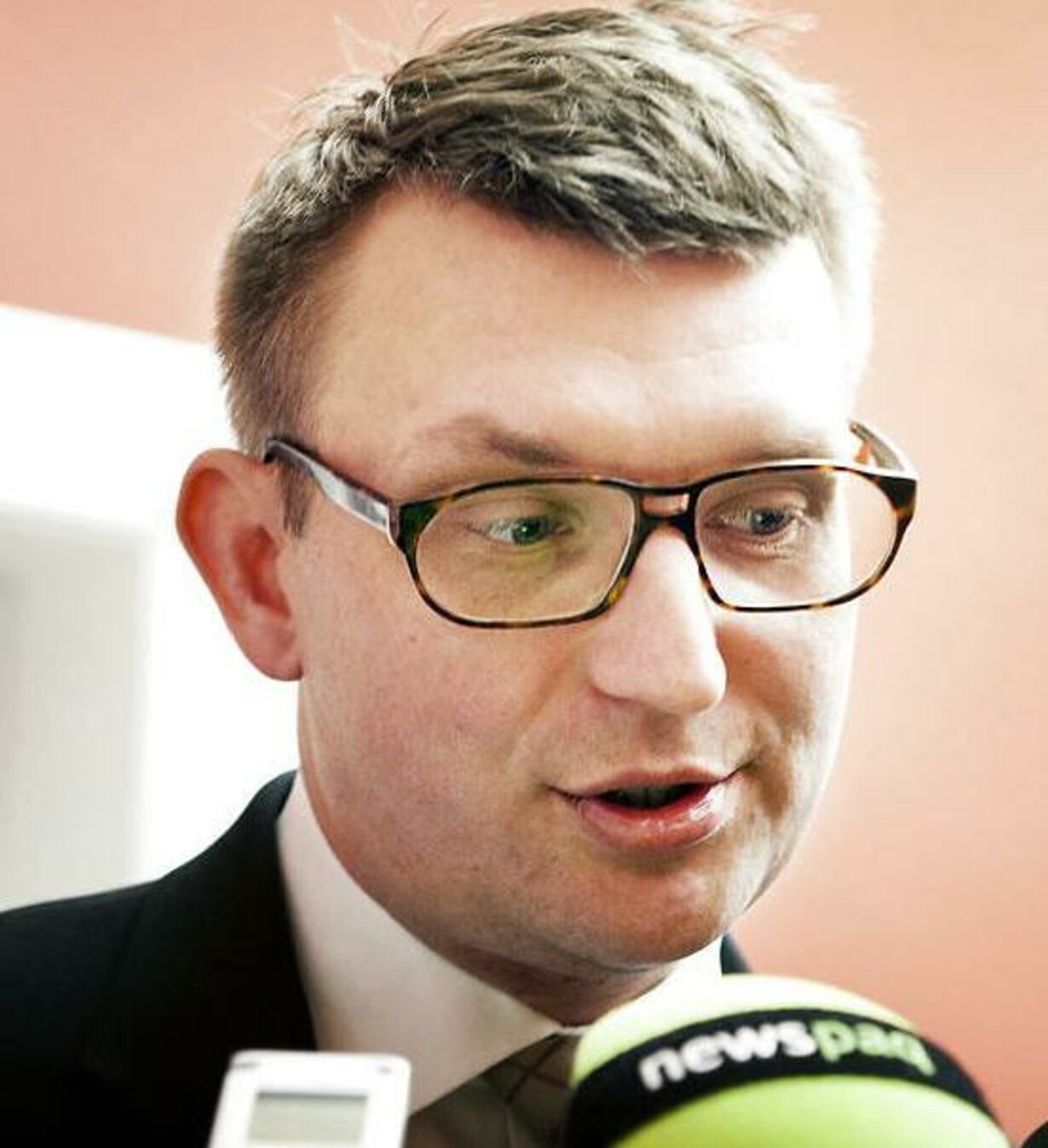 Avis: Troels Lund brugte sin private mail i skattesag