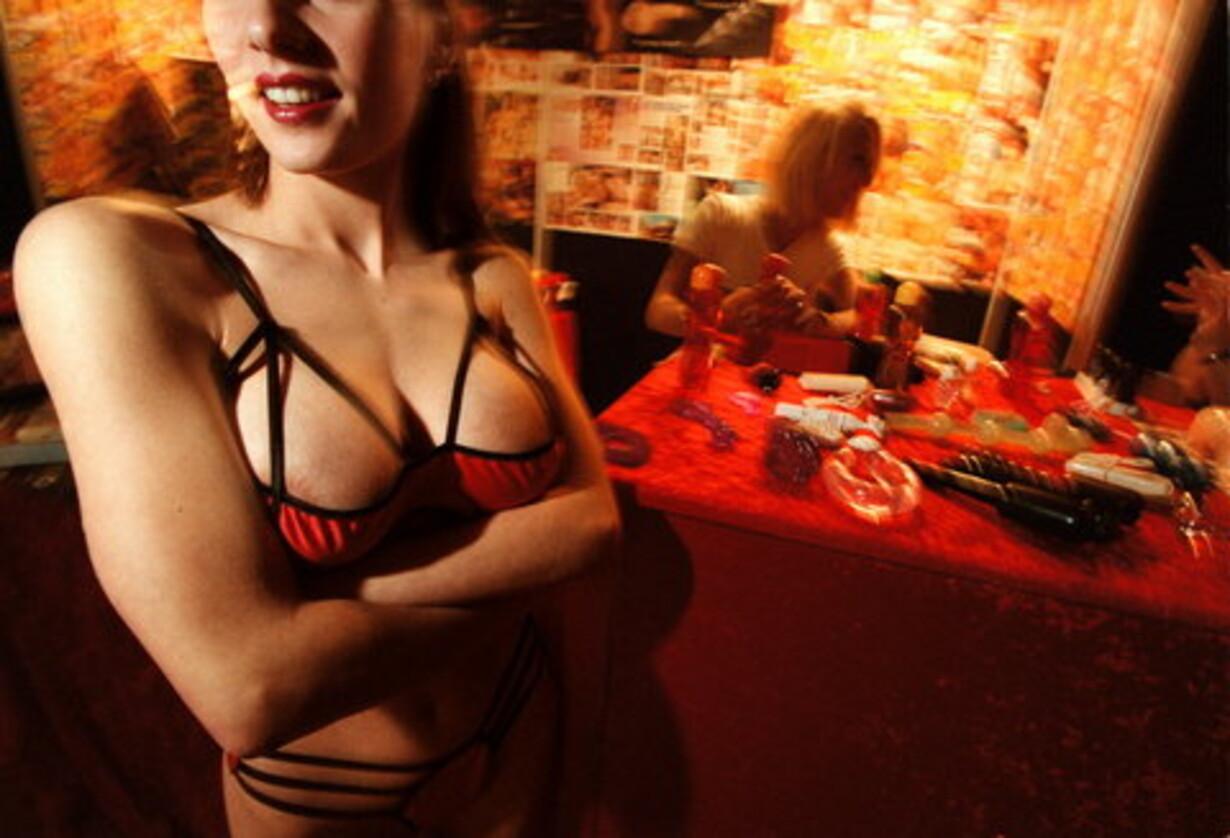Sexmodellen vender tilbage til lagnerne efter en tid med lidt stoffer og alt for meget sprut, betror.
